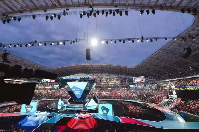 技能成就未来:第45届世界技能大赛上中国代表队荣登榜首