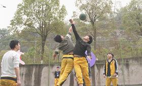 学校新闻 | 重庆万通第一届校园篮球争霸赛正式打响!